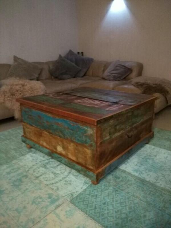 Shabby Chic Vintage Couchtisch Truhe - St Leon-rot St Leon - massiver AltholztischMaße: 90 x 47 x 905 Schubladen auf der einen Seite und eine Klappe nach oben zu öffnen auf der anderen Seite, ein wahres Raumwunder Neupreis: 349 Euro, Rechnung ist noch vorhandenAn Selbstabholer zu verkaufen.  - St Leon-rot St Leon