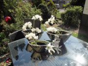 Silberne Deko- Vasen