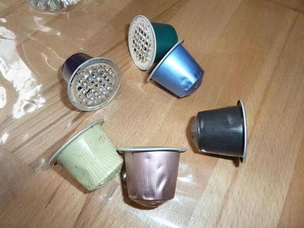 suche leere nespresso kapseln zum basteln in winnenden. Black Bedroom Furniture Sets. Home Design Ideas