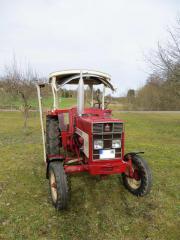 Traktor IHC 453