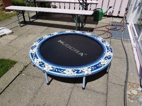 trampolin kaufen trampolin gebraucht. Black Bedroom Furniture Sets. Home Design Ideas