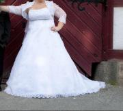 Traumhaftes Brautkleid in weiß Größe