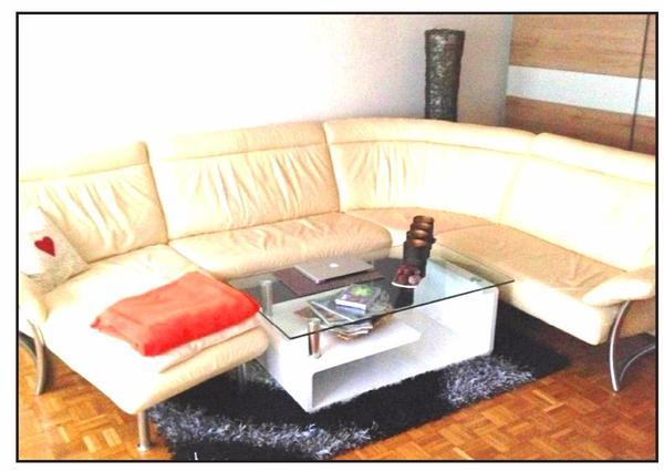 verkaufe sch ne hochwertige leder couch inkl sch nem. Black Bedroom Furniture Sets. Home Design Ideas