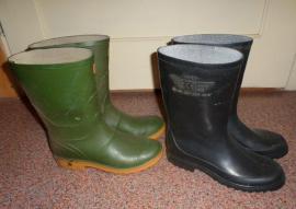 Bild 4 - Verschiedene getragene Schuhe - Weilheim