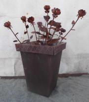 Viereckiger Blumentrog