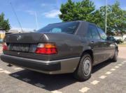 W124 -200 E