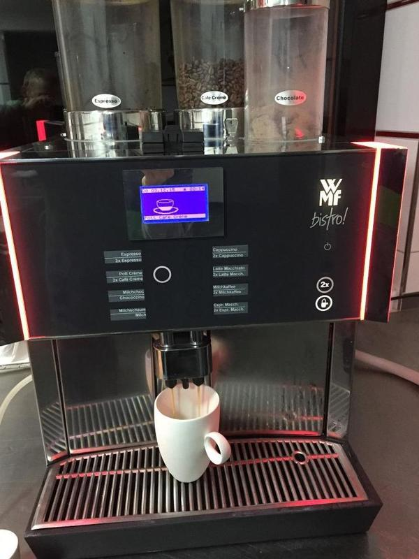 wmf bistro wmf presto kaffeevollautomat top gro e wartung 3 m hlen wie neu in bonn kaffee. Black Bedroom Furniture Sets. Home Design Ideas