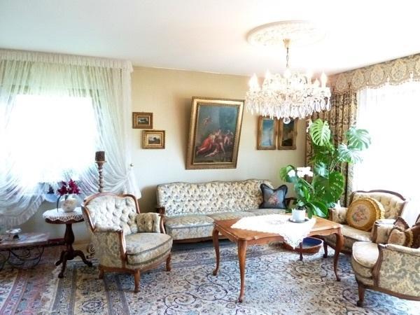Wohnzimmer sitzgruppe chippendale sofa sessel tisch in gutenzell h rbel polster sessel couch - Sitzgruppe wohnzimmer ...