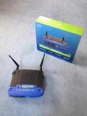 Zwei Linksys Wireless-